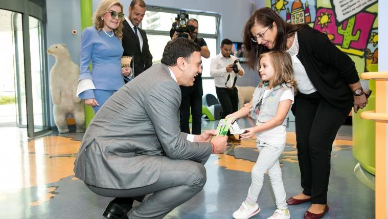 """Επίσκεψη Υπουργού Υγείας Βασίλη Κικίλια στην Ογκολογική Μονάδα Παίδων """"Μαριάννα Β. Βαρδινογιάννη - Ελπίδα"""""""