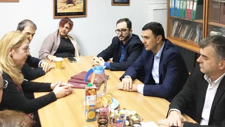 Επίσκεψη Υπουργού Υγείας Βασίλη Κικίλια στο κλειστό πρόγραμμα μητέρων της μονάδας απεξάρτησης «18 Άνω»
