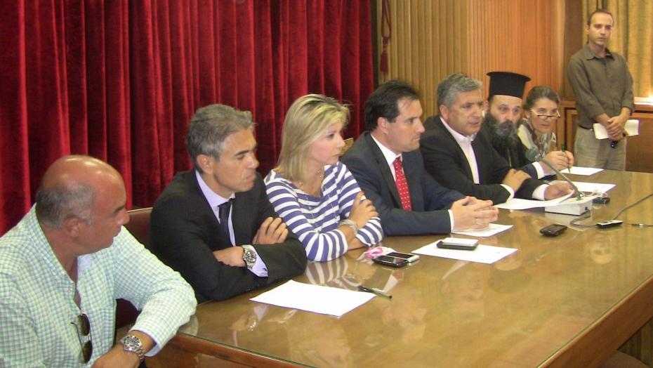 Υπογραφή συμφώνου συνεργασίας για την δωρεάν παροχή φαρμάκων σε ανασφάλιστους πολίτες.