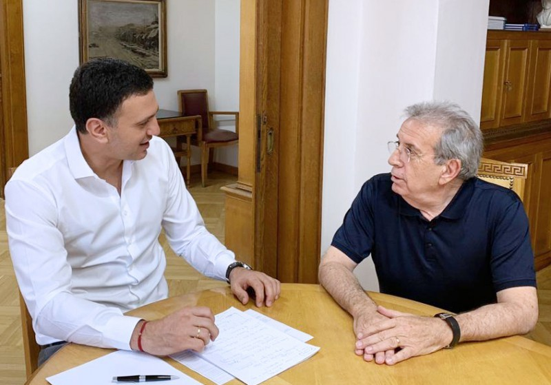 Συνάντηση Υπουργού Υγείας Βασίλη Κικίλια με τον καθηγητή Παναγιώτη Μπεχράκη