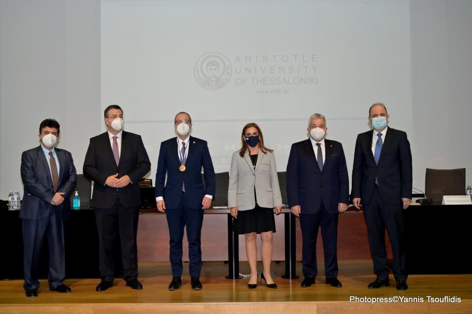 Η Υφυπουργός Υγείας Ζωή Ράπτη στη βράβευση του Περιφερειακού Διευθυντή Ευρώπης του ΠΟΥ, Hans Kluge από το ΑΠΘ